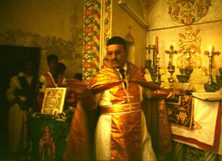 Papaz Tuma Bir Ayini Yönetirken