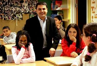 İsveç Eğitim Bakanı Baylan Çocuklarla Birlikte