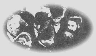 1923 Yılında Ankara'da Mustafa Kemal'i Karşılayanlar Arasında Patrik İlyas'da Vardı