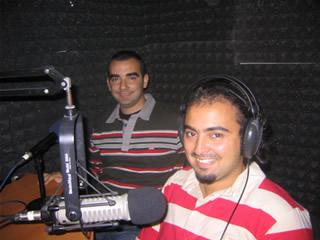 Azınlık Gençleri Radyo'daki Bir Program Esnasında