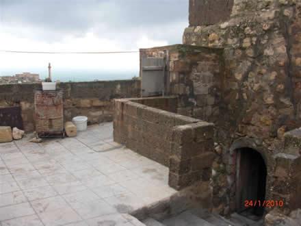 Mihael Amca'nın Mezopotamya'ya Bakan Evinin Avlusu
