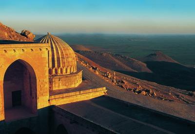 Mezopotamya Ovasının Dibinde Kasımıye Medresesi