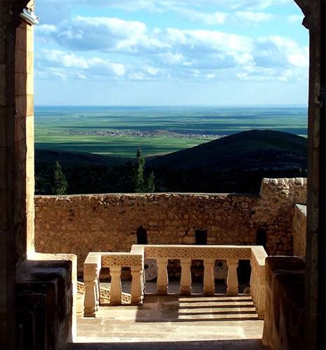 Deyrulzafaran'ın Kapısından Mezopotamya